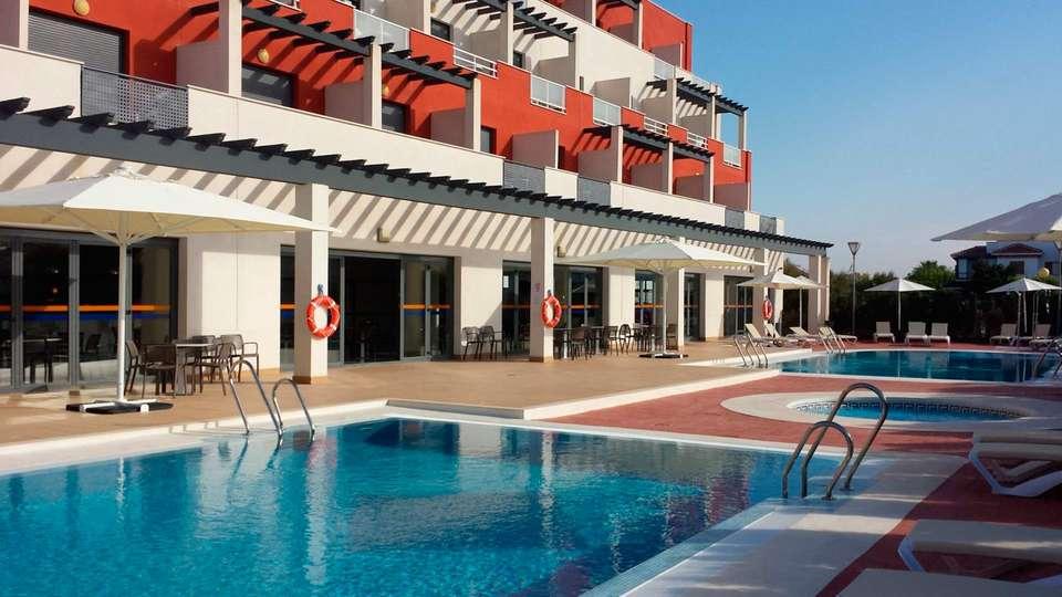 Hotel Adaría Vera - EDIT_pool.jpg
