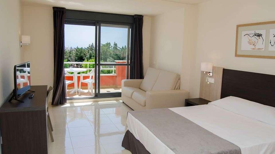 Hotel Adaría Vera - EDIT_room.jpg