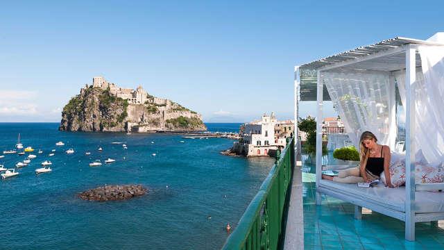 Ontspan in een 5-sterren verblijf aan zee in Ischia