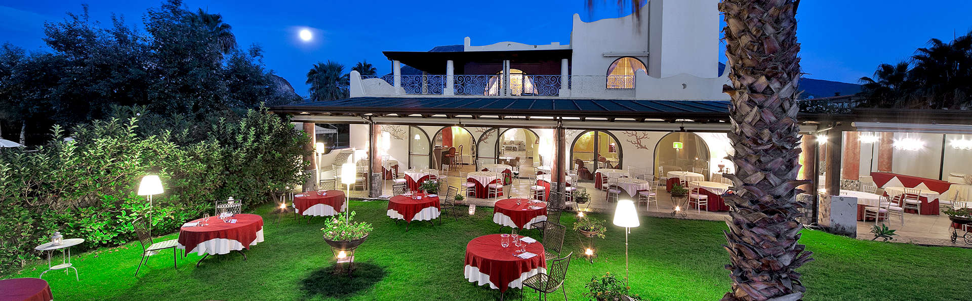 Hotel Garden - EDIT_NEW_FRONT2.jpg