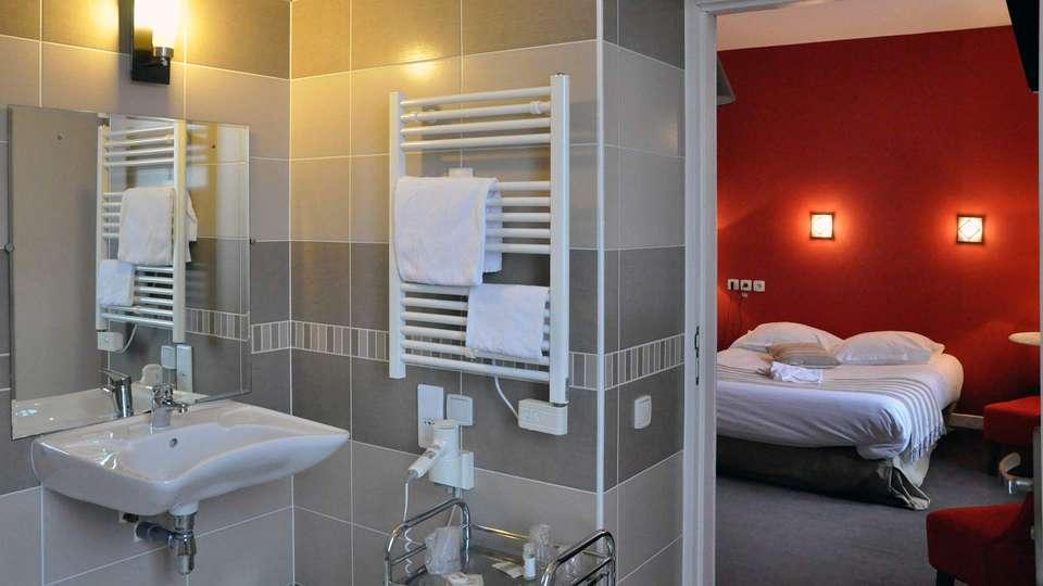Hôtel Bellevue - Mers les Bains - EDIT_bathroom.jpg