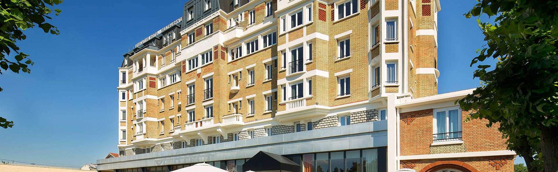 Executive Hotel Paris Gennevilliers - EDIT_front.jpg