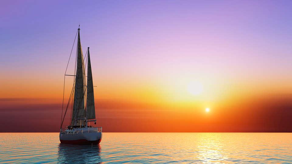 Hotel Puerto Sherry  - edit_sailing.jpg
