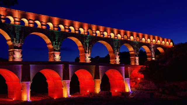 "Espectáculo pirotécnico ""Les féeries du Pont du Gard Méditerranée"" cerca de Aviñón"