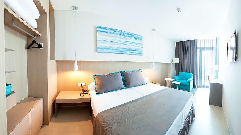Hotel Atenea Port Barcelona Mataró - EDIT_room2.jpg