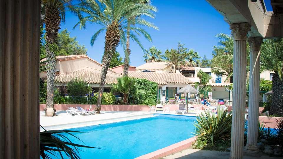 Malibu Village - EDIT_pool3.jpg