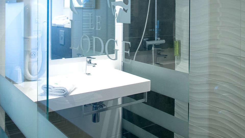 Le Lodge Hotel Brit Strasbourg - Edit_Bathroom.jpg