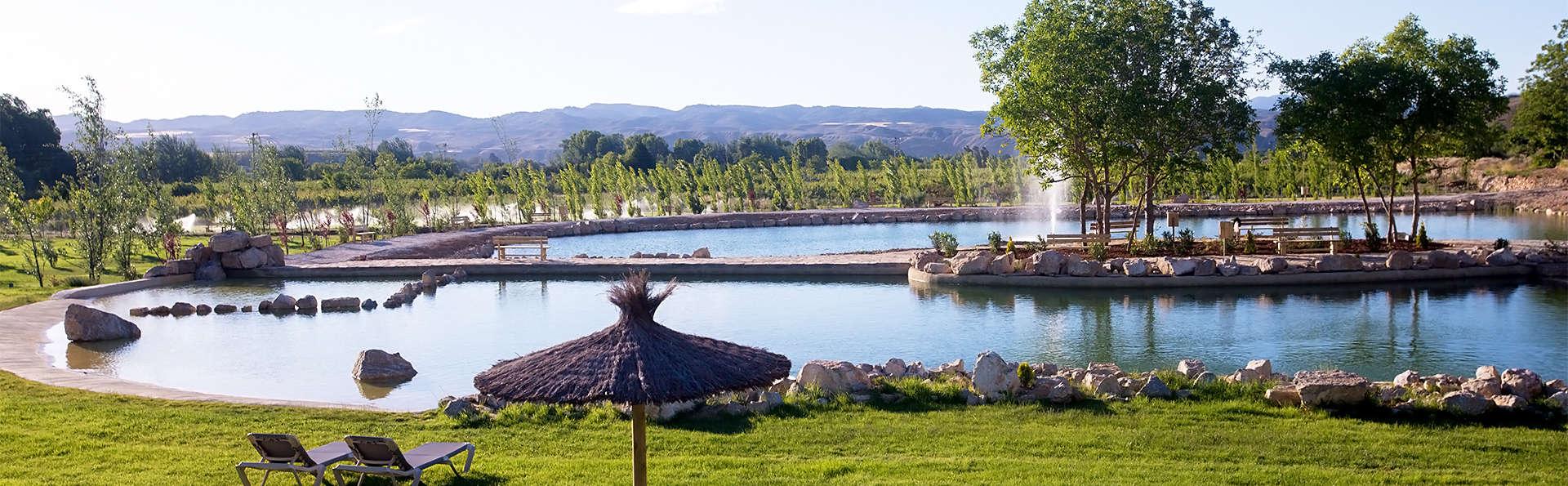 Escapada con acceso a los lagos naturales, media pensión y termas incluidas (desde 2 noches)