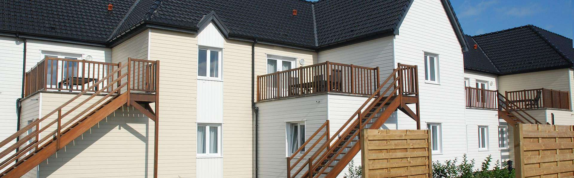Holiday Suites Oye-Plage - EDIT_front.jpg