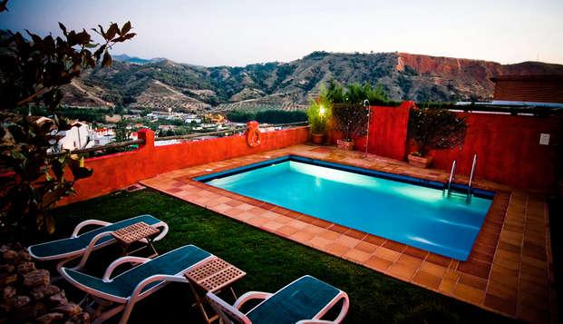 Escapada con encanto: increíbles vistas y piscina a 10 minutos de Granada