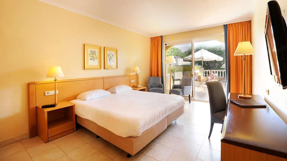 Van der Valk Hotel Barcarola - EDIT_room1.jpg
