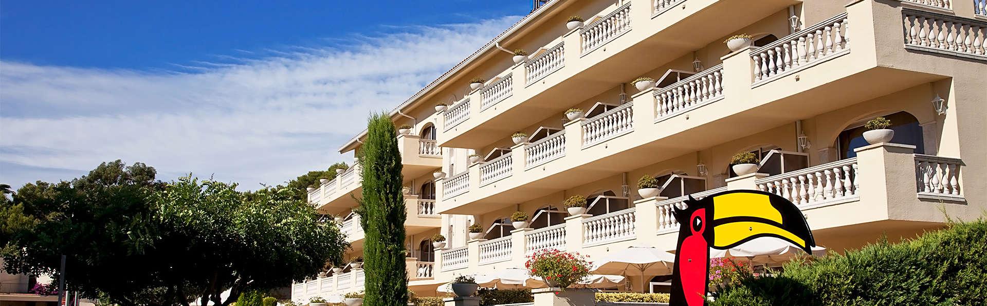 Van der Valk Hotel Barcarola - EDIT_facade.jpg