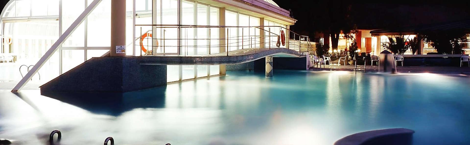 Hotel Arco de San Juan - EDIT_pool.jpg