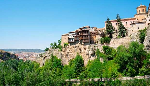 Recorre las calles históricas de Cuenca