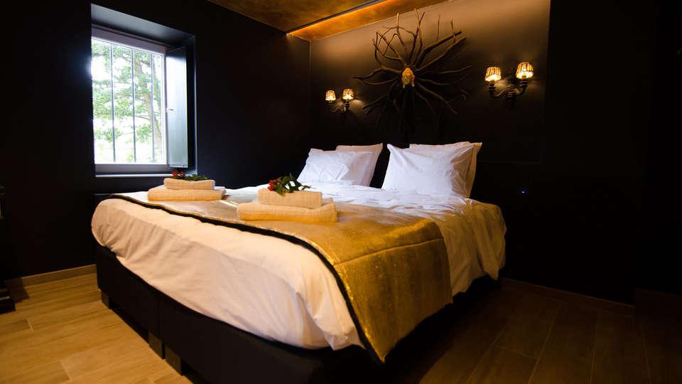 River Lodge Hotel Insolite - Edit_RhinstonesAndElegance3.jpg
