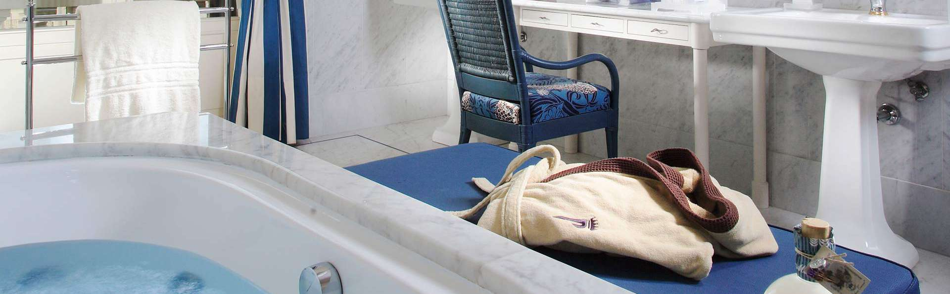 Grand Hotel Principe di Piemonte - EDIT_suitejacuzzi.jpg