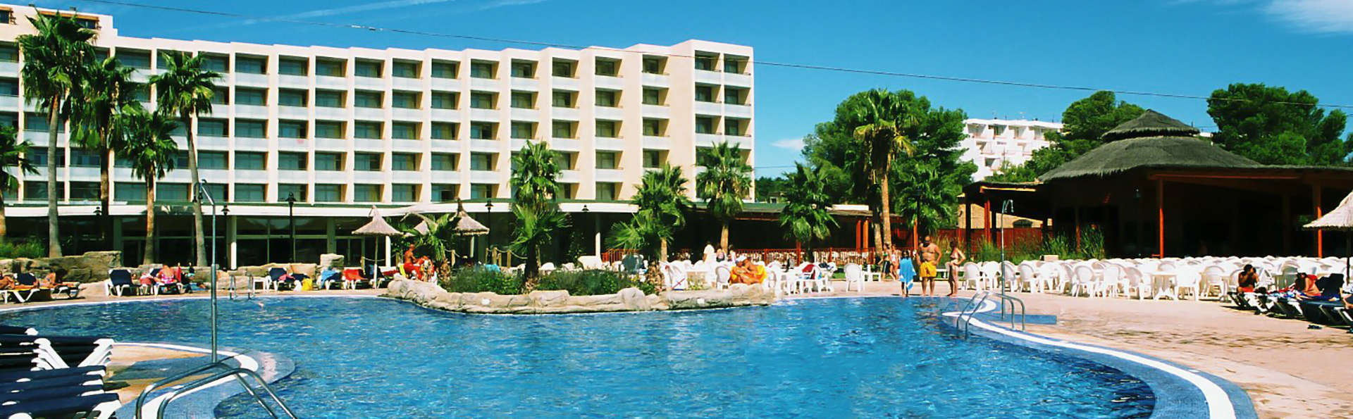 RVHotels Hotel Ametlla Mar - Edit_Pool.jpg