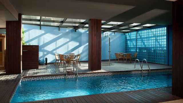 acceso a la piscina interior para 2 adultos