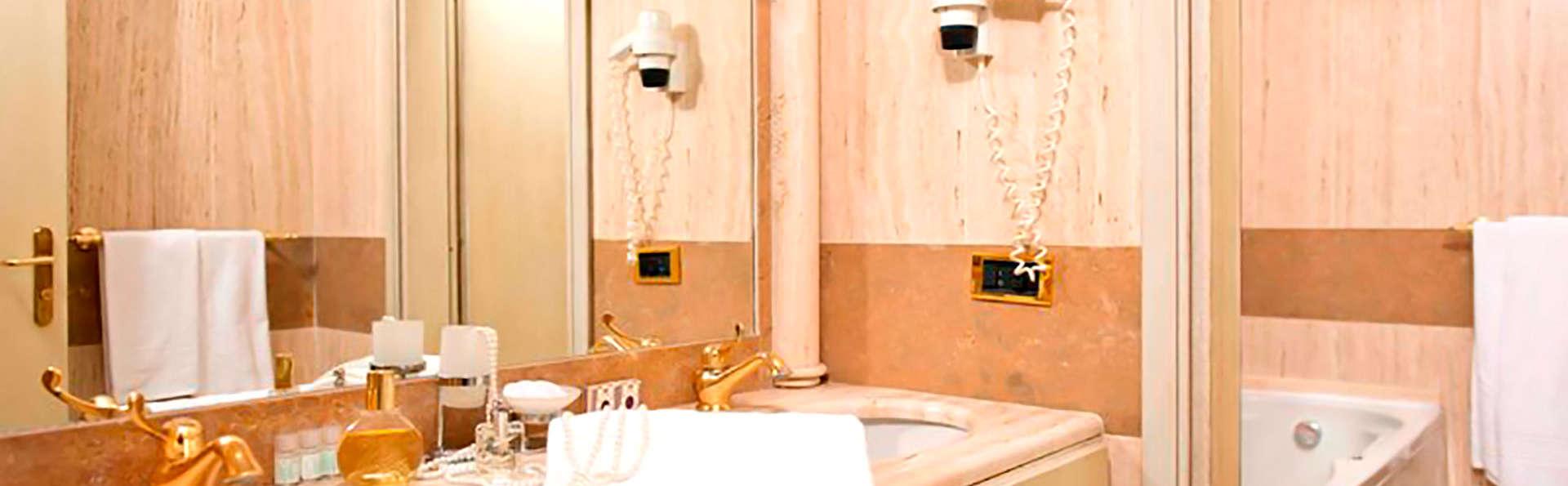 Hotel Villa Medici - Edit_Bathroom.jpg