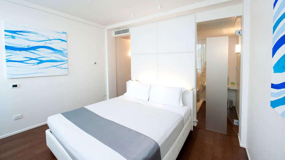 MO.OM Hotel - Edit_Room.jpg