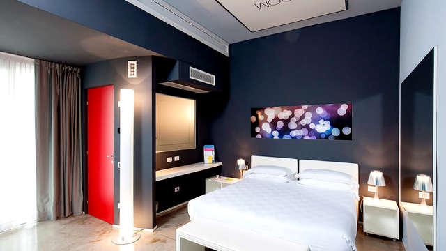 MO OM Hotel