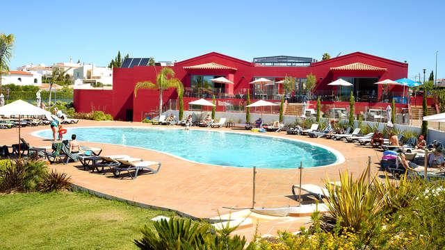 Escapada Romántica con Cena y acceso al Spa en Carvoeiro (desde 2 noches)