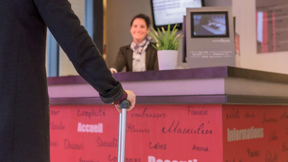 Mercure Tours Centre Gare - Edit_Reception.jpg