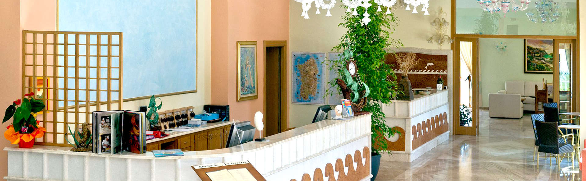 Hotel Brancamaria - Edit_Reception.jpg