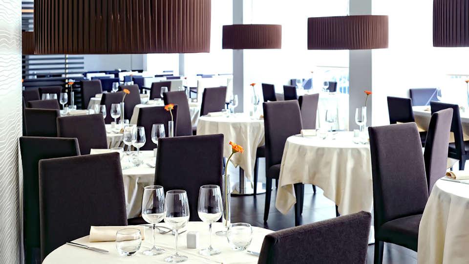 IH Hotels Roma Z3 - Edit_Restaurant2.jpg
