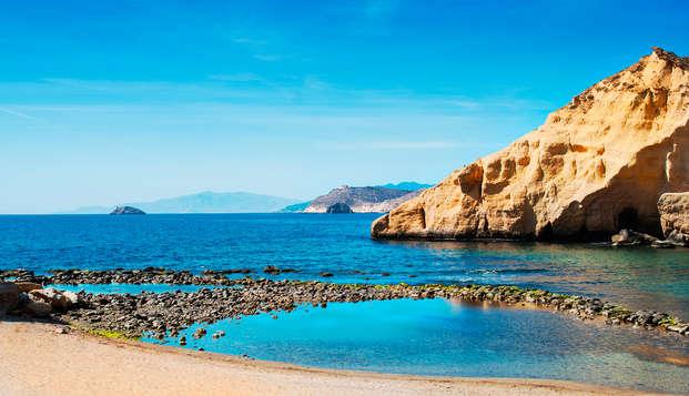 Escapada en pensión completa a orillas del mar en la Costa de Almería