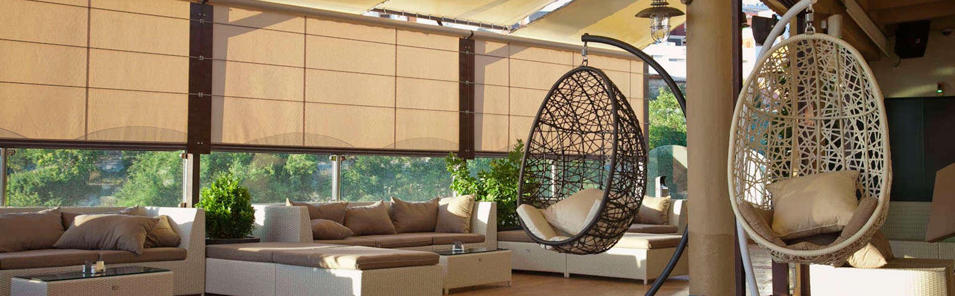 Hotel Campos de Baeza - EDIT_lobby.jpg