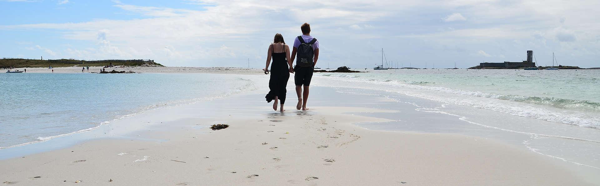 Partez à la découverte des Seychelles bretonnes, traversée en bateau incluse !