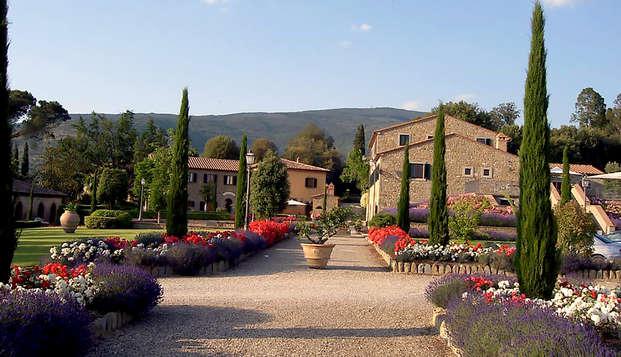 Séjournez dans une chambre de luxe au cœur de la campagne toscane avec dîner inclus !