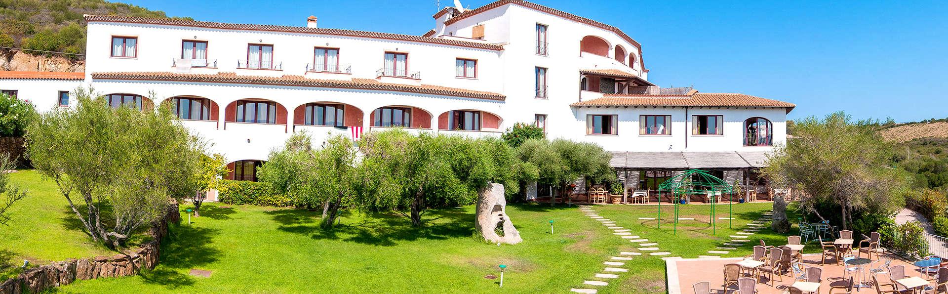 Hotel Alessandro - Edit_Front4.jpg