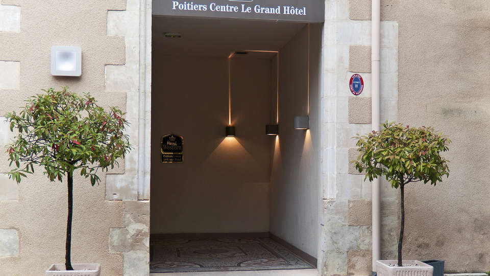 Best Western Poitiers Centre Le Grand Hôtel - EDIT_entry.jpg
