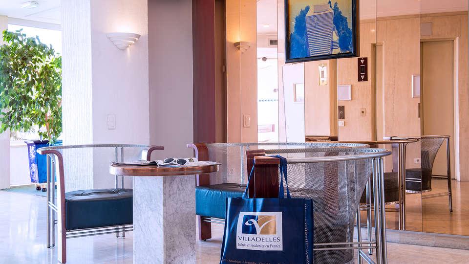 Hôtel Club Maintenon - EDIT_lobby.jpg