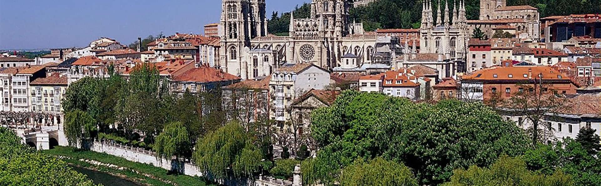 Escapada en pleno centro de Burgos con desayuno (Desde 2 noches)