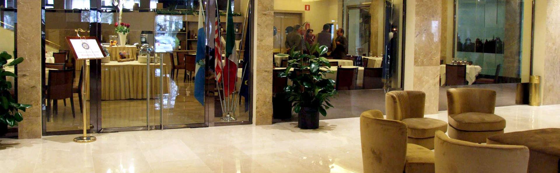 Grand Hotel Mediterraneo - Edit_Hall.jpg