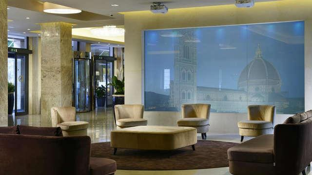 Descubre Florencia en un moderno hotel a orillas del Arno