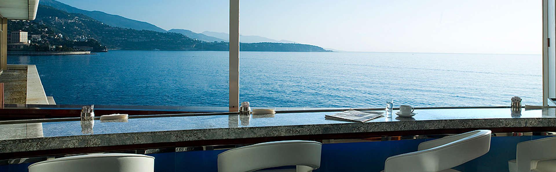 Romantisme à Monte-Carlo avec champagne, pâtisseries du chef et petit déjeuner servi au restaurant