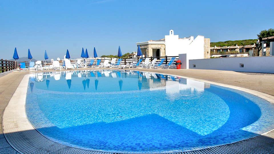 Vista Blu Resort - Edit_Pool3.jpg