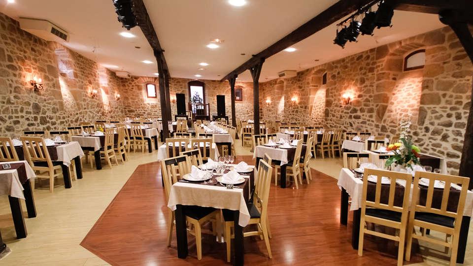 Auberge de la Xaintrie - edit_restaurant2.jpg