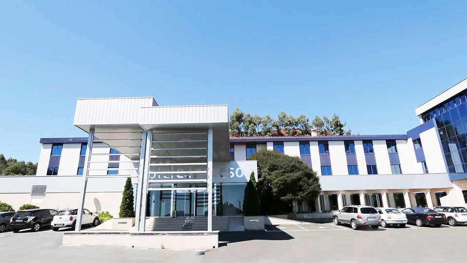 Hotel Spa Congreso - EDIT_facade.jpg