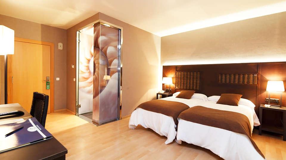 Hotel Spa Congreso - EDIT_room1.jpg