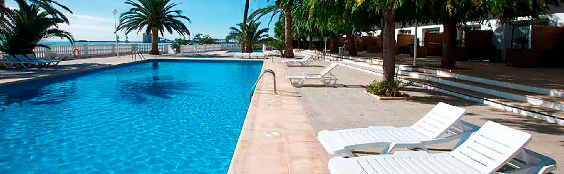 Hotel Carlos III - EDIT_pool.jpg