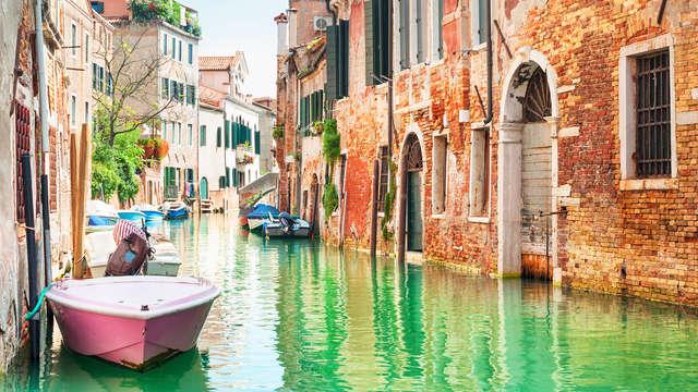 Confort 4* con mejora a habitación ejecutiva a las puertas de Venecia (2 noches, no rembolsable)