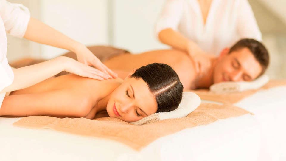 Hotel Colón Thalasso Termal - EDIT_massage2.jpg