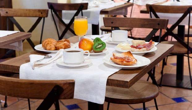 Hotel Casa del Capitel Nazari - breakfast