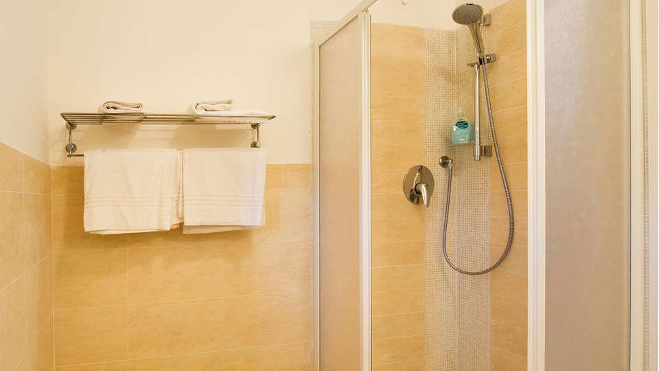 Residence Ea Bianca - Edit_bathroom.jpg