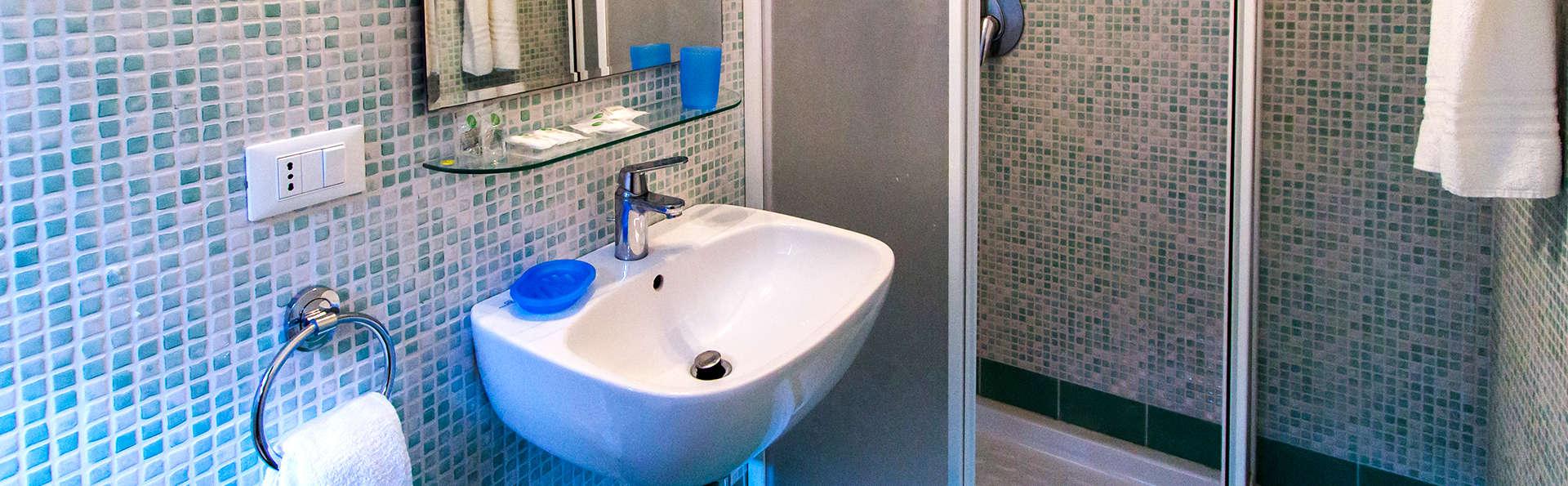 Residence Ea Bianca - Edit_Bathroom2.jpg